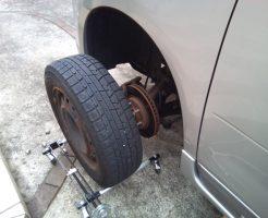 実際にタイヤを載せている写真
