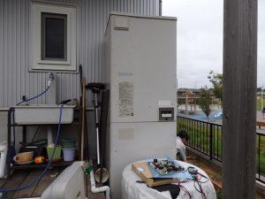電気温水器1
