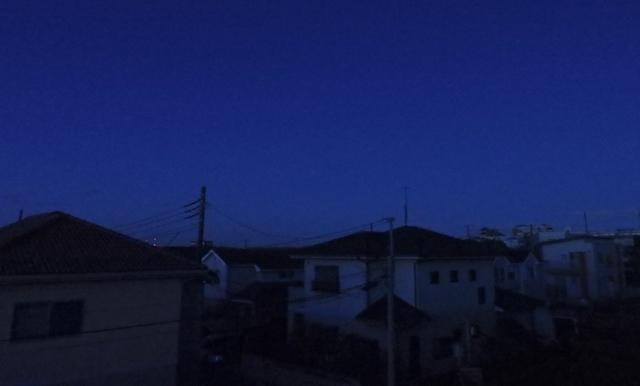 灯りの消えた街